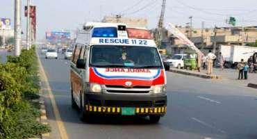 بورے والا میں کار تیز رفتاری کی باعث حادثہ ایک ہی خاندان کے8افراد ہلاک