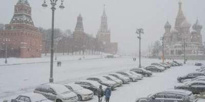 روس کے دارالحکومت ماسکو میں ریکارڈ برفباری ،ہر طرف سفید چادر بکھری ..