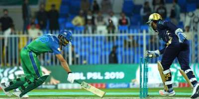 پاکستان سپر لیگ ،سرفراز احمد نے زیادہ سٹمپ آﺅٹ کرنےکا ریکارڈ برابر ..