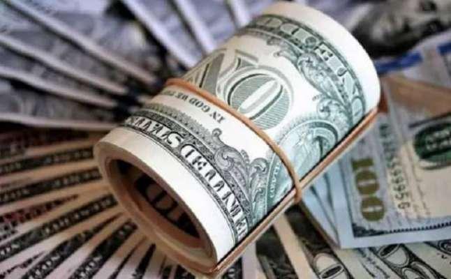 اوپن مارکیٹ میں ڈالر ایک روپیہ سستا ہوکر 153 روپے کا ہوگیا