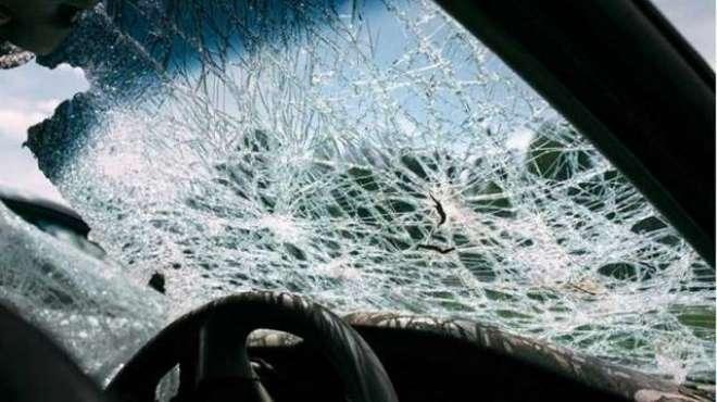 شارجہ: تیز رفتار کار کی زد میں آکر کم سن لڑکا شدید زخمی ہو گیا