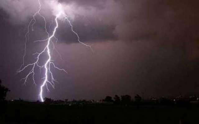 مسلسل موسلادھار بارشیں، آسمانی بجلی گرنے کے واقعات میں بھی خوفناک ..