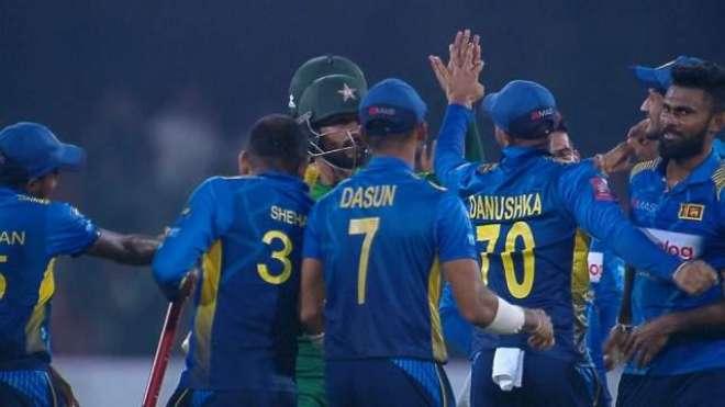 سری لنکا نے عالمی نمبر1 ٹیم کو ہرا کر پہلی بار تین میچوں کی ٹی ٹونٹی ..