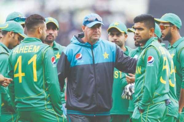 مکی آرتھر ورلڈ کپ کے بعد قومی ٹیم کی مزید کوچنگ کے خواہشمند