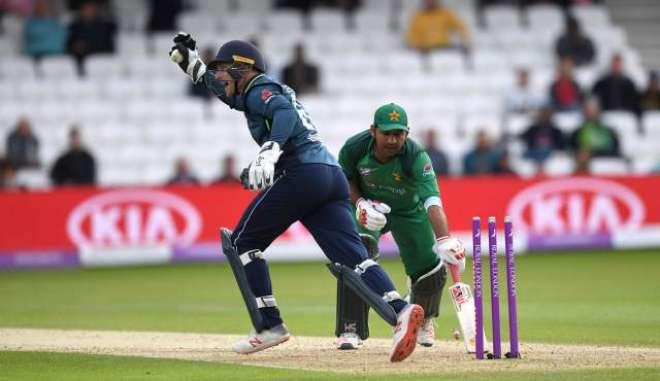پانچواں ون ڈے: انگلینڈ نے پاکستان کو 54رنز سے شکست دیکر سیریزاپنے نام ..