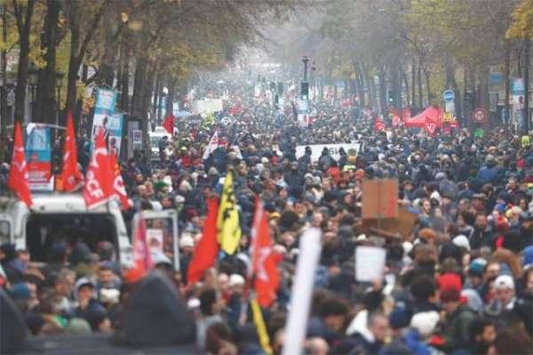 فرانسیسی عوام نئی پینشن پالیسی کے خلاف سڑکوں پر ،دوسرے روز بھی احتجاج