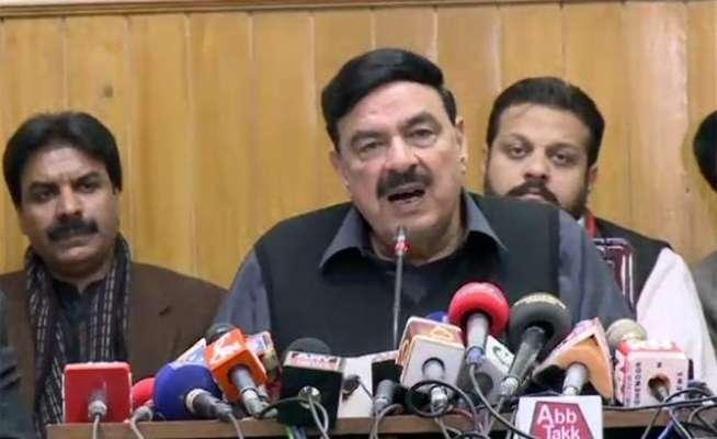 پاکستان ریلوے کی 122 مسافر ٹرینوں میں ٹریکنگ سسٹم لگا دیا گیا ، وزیراعظم ..