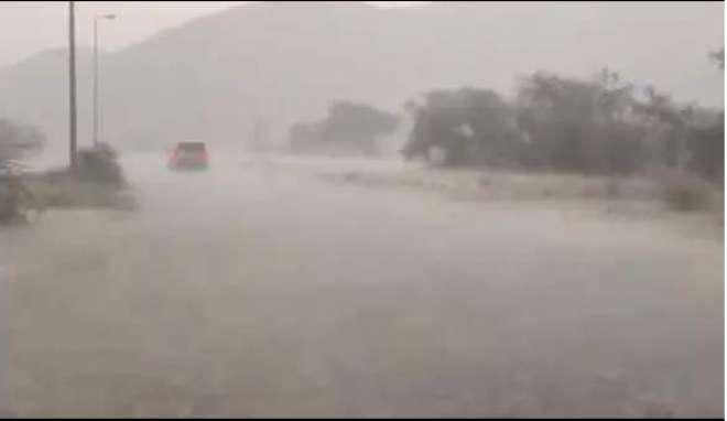 سعودی مملکت میں شدید بارش ، اکثر مقامات پر ژالہ باری بھی ہوئی