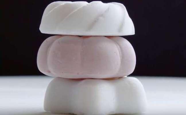 دنیا کی سب سے ہلکی صرف   1 گرام وزنی مٹھائی  میں 96 فیصد ہوا ہے
