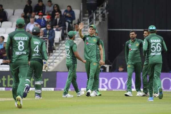 پانچواں ون ڈے: انگلینڈ نے پاکستان کو جیت کے لیے 352رنز کاہدف دیدیا