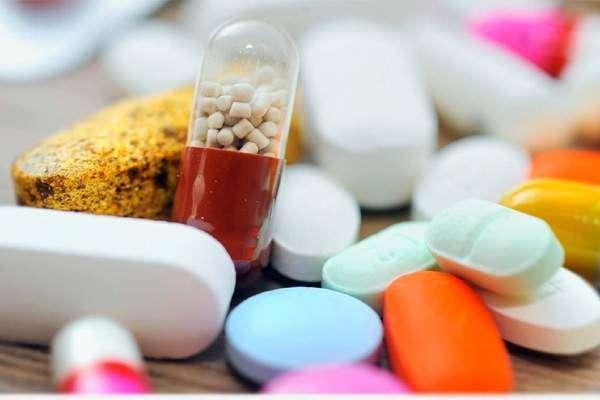 ادویات کی قیمتوں میں کمی حکومتی دباؤ پر نہیں کی گئی