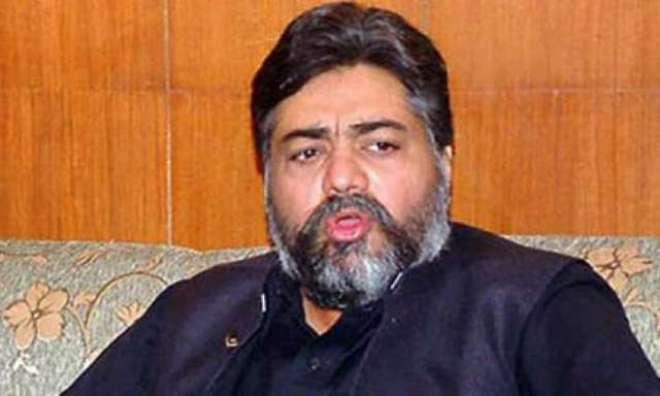 صمصام بخاری نے لاہور پریس کلب میں مستحق صحافیوں میں امدادی چیک تقسیم ..