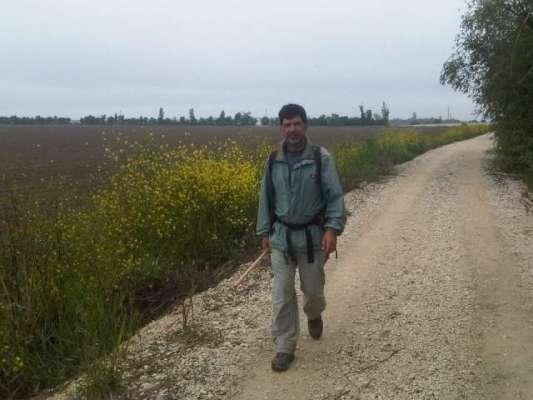 2700 ڈالر میں دوسروں کے لیے پیدل 100 میل کا  مذہبی سفر کرنے والا شخص