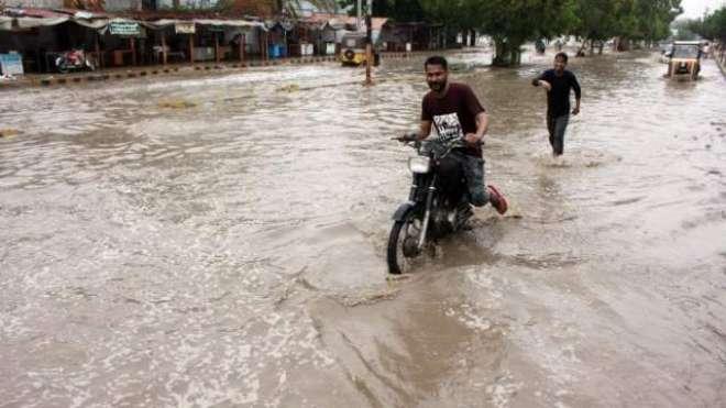 بارش کے بعد پیدا ہونے والی صورتحال پر شہریوں کی سوشل میڈیا پر حکومت ..