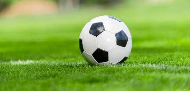 پاکستان فٹ بال واپڈا کے کوچ تنویراحمد سے اظہار تعزیت
