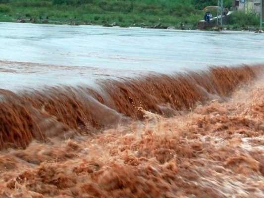 پاک فوج نے سیلابی ریلے میں پھنسے ہندو یاتریوں کو با حفاظت ریسکیو کر ..