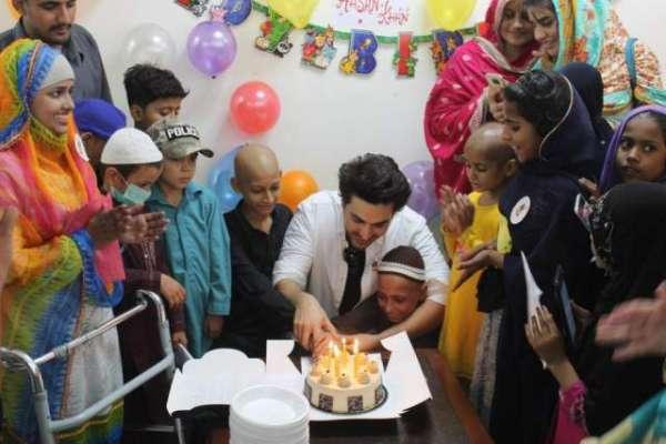 فلم اسٹار احسن خان نے اپنی سالگرہ کا دن کینسر کے مرض میں مبتلا بچوں ..