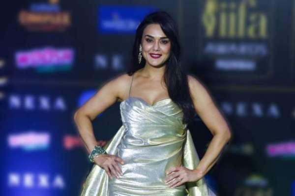 بھارتی اداکارہ پریتی زینٹا کی پشتو پر مہارت