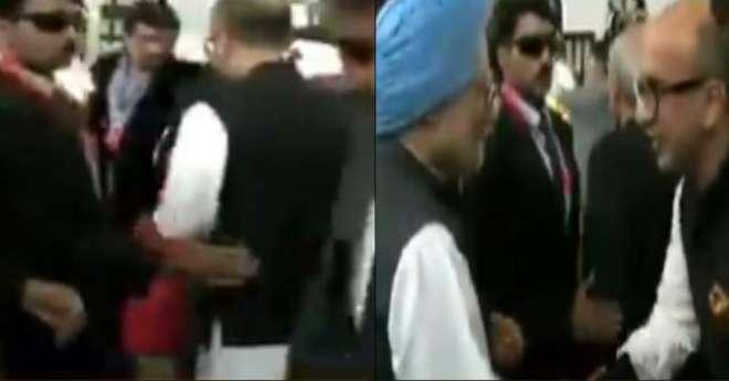 منموہن سنگھ کے گارڈ نے عمران خان کے قریبی دوست انیل مسرت کو پیچھے دھکیل ..