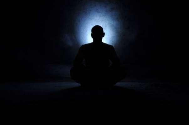 مذہبی تحریک  مثبت روحانی توانائی کو خصوصی بیٹریوں میں محفوظ کررہی ہے ..