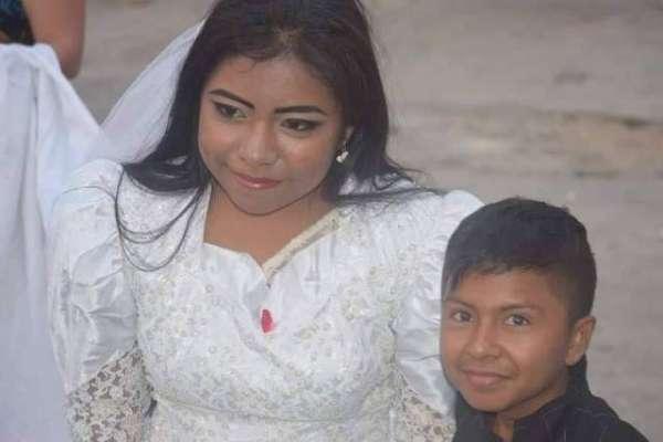 بچے اور بالغ عورت کی شادی کی وائرل تصاویر۔ حقیقت کیا ہے؟