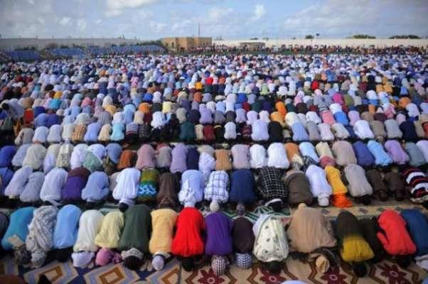 جرمنی کے دارالحکومت برلن میں پہلی بار ہزاروں مسلمانوں نے کھلے آسمان ..