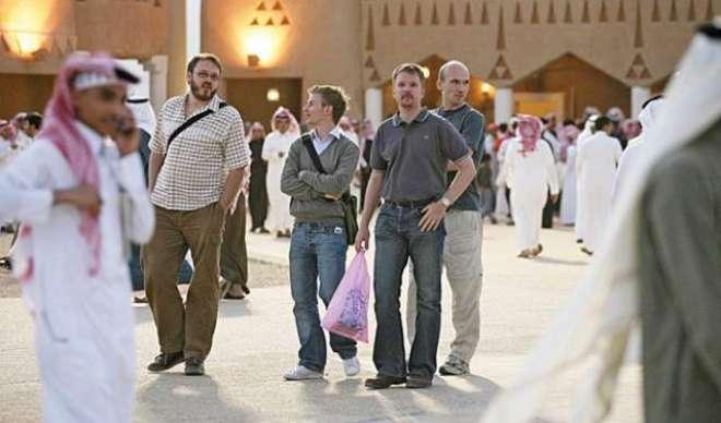 سعودیہ میں مقیم غیر مُلکیوں نے گرین کارڈ سکیم پر کئی سوالات اُٹھا دیئے
