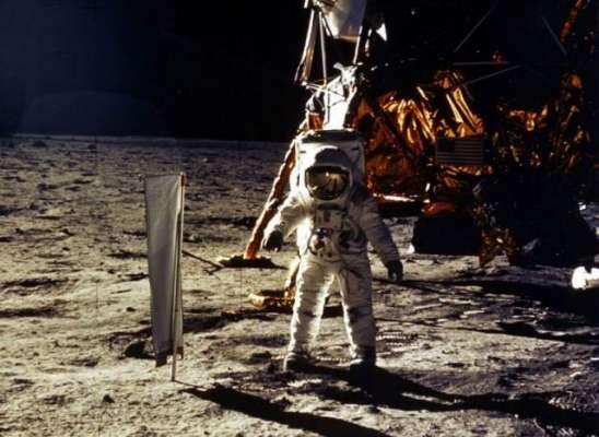 چاند پر انسان کی پہلی آمد کے 50 سال مکمل