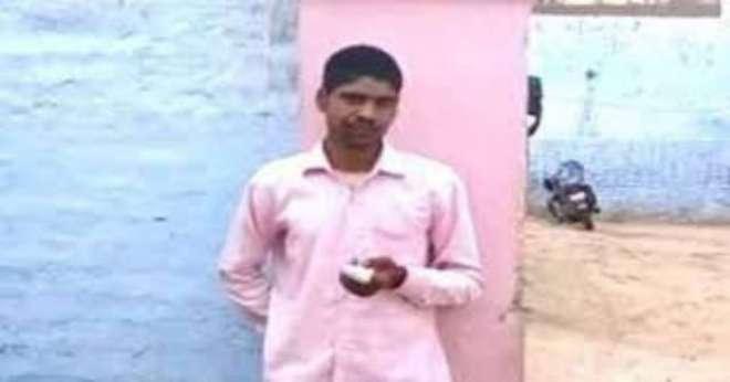 بھارت میں ووٹر نےغلطی سے بی جے پی کو ووٹ ڈالنے پراپنی انگلی کاٹ لی