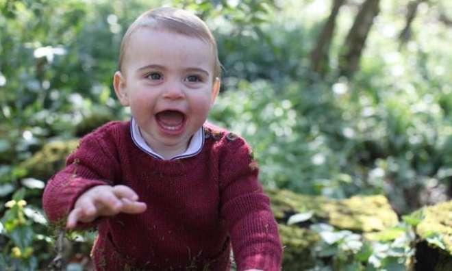 برطانوی شہزادہ لوئیس کی پہلی سالگرہ پر بنائی گئی تصاویرکی سیریز جاری