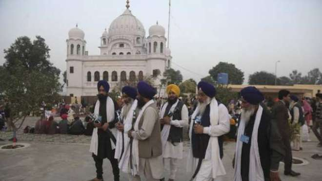 ہزاروں سکھ یاتریوں کا کرتارپور راہداری اقدام کا خیرمقدم