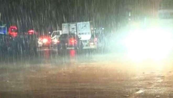 ملک کے کئی علاقوں میں طوفانی بارش اور ژالہ باری، پاک ایران سرحد پر سیلابی ..