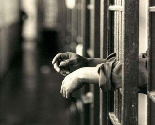 سرگودھا میں تھانہ صدر پولیس نے ڈبل ڈور ڈالہ سے 342کلو گرام چرس برآمد ..