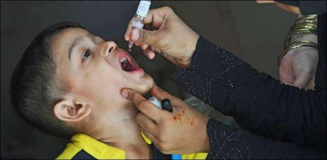 وزیر صحت سندھ عذرا پیچوہو نے انسداد پولیومہم کاافتتاح کردیا