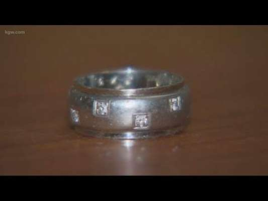 1992 میں سکائنگ کے دوران گم ہونے والی انگوٹھی 2000 میل دور سے مل گئی