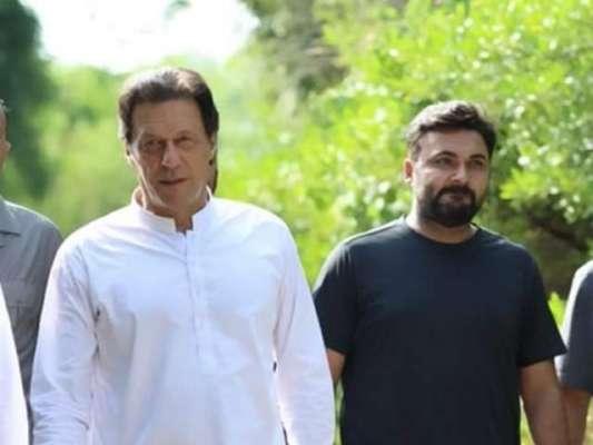 وزیرِصحت کی عمران خان کے مشیر برائے پولیو کو عہدے سے ہٹوانے کی کوشش
