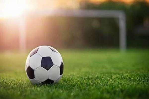 انٹرسٹی فٹ بال ٹورنامنٹ میں راولپنڈی اور فیصل آباد کی ٹیموں کے درمیان ..