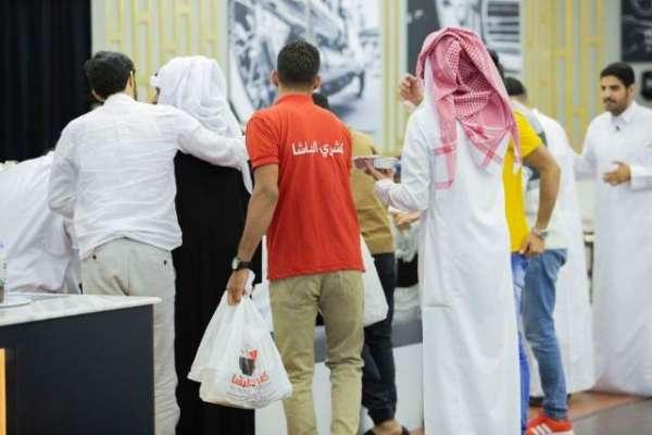 سعودی شہریوں نے مالی پریشانی کے شکارریستوران مالک کو برباد ہونے سے ..