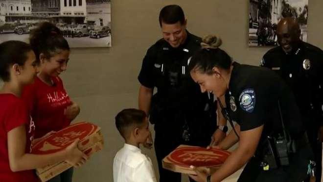 5 سالہ بچے نے پیزا کھانے کے لیے ہنگامی نمبروں پر فون کر دیا  ، پولیس نے ..