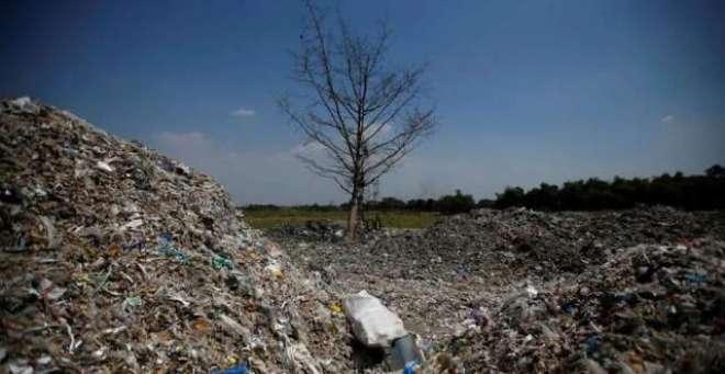 انڈونیشیا میں  ناکارہ پلاسٹک کی ری سائیکلنگ لوگوں کے لئے منافع بخش ..