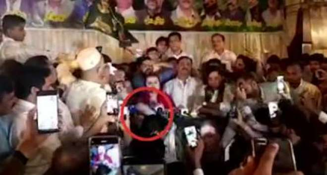 ترجمان ن لیگ مریم اورنگزیب پر جلسے کے دوران حملے کی کوشش