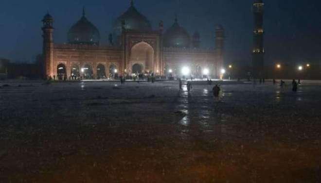 لاہور میں مسلسل 17 گھنٹے کی بارش نے تباہی مچا دی