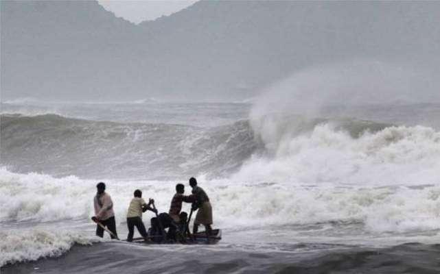 کراچی میں طوفان:ماہی گیروں کی 3 لانچیں اور 38 مچھیرے لاپتہ