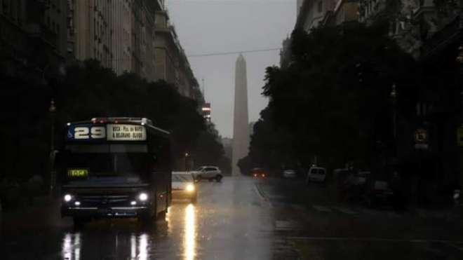 لاطینی امریکا کے کئی ممالک تاریکی میں ڈوب گئے، بجلی غائب