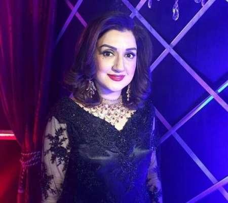اداکارہ و کمپیئر عائشہ ثناء 19ستمبر کو سالگرہ منائیں گی