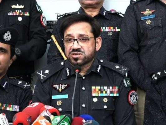 آئی جی سندھ ڈاکٹر سید کلیم امام کی مزار قائد پر حاضری