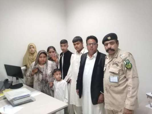 نیو اسلام آباد ائیرپورٹ پر بیرون ملک جانے والے خاندان سے17 کلو468 گرام ..