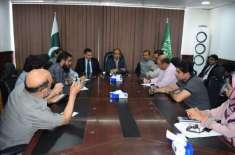 سعودی حکام نے تمام ائیرلائنز کو پاکستانی عمرہ زائرین کی منتقلی کے لئے ..