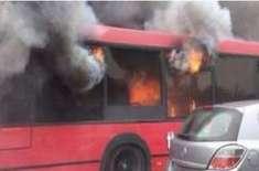 راولپنڈی میٹرو بس میں آگ بھڑک اٹھی