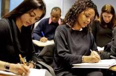 برطانیہ میں طلباء کو بغیر امتحان لیے نمبرز دیئے جائیں گے